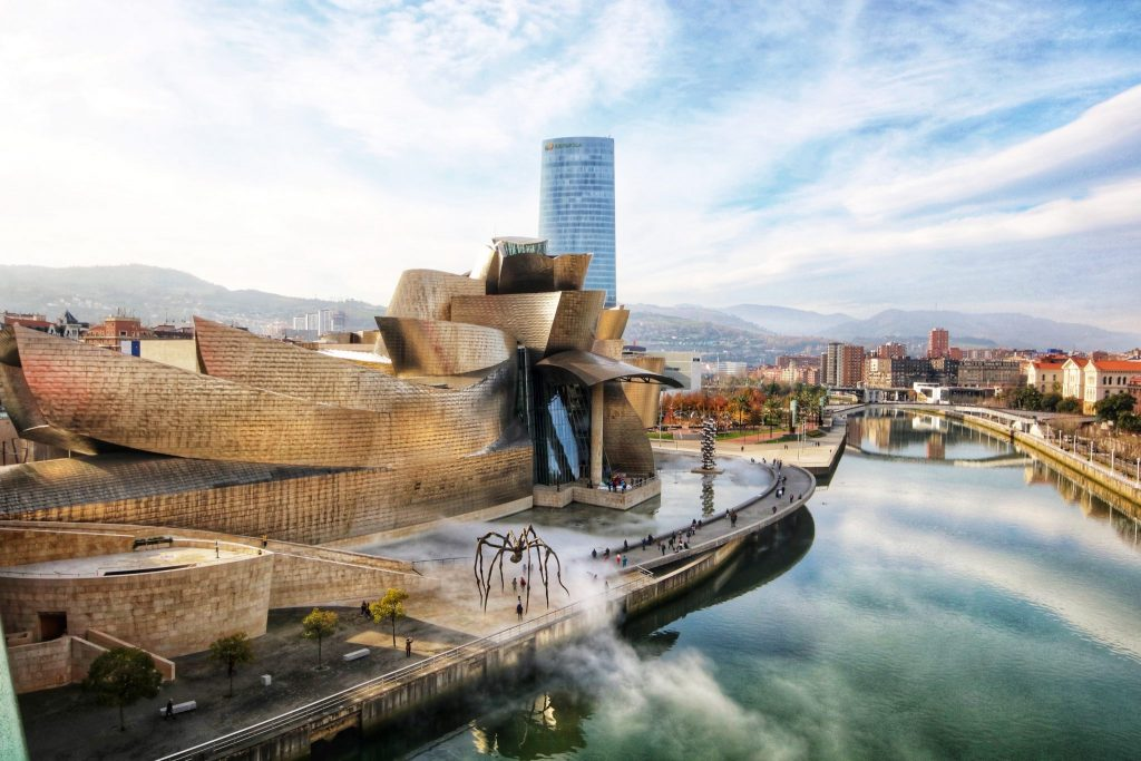 The workers of Mondragón built the roof of the famous Guggenheim Museum in Bilbao.
