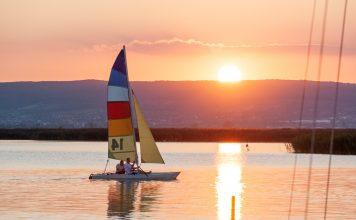 Burgenland - Lake Neusiedl Photo Unsplash / Dimitry Anikin