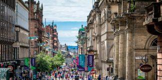Four Day Working Week - Foto: Glasgow Scotland / Artur Kraft on unsplash