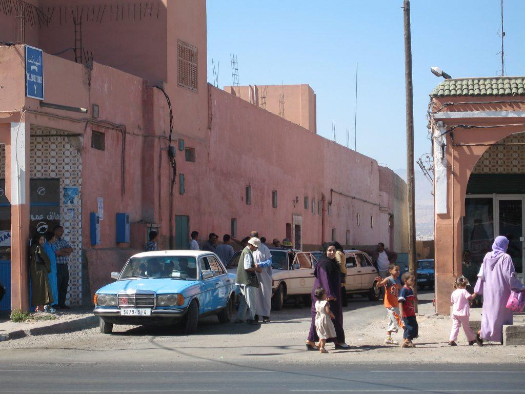 Taxi in Western Sahara 2006 by flickr_Jurgen